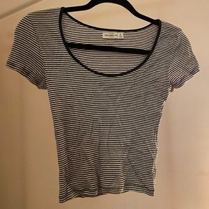 Abercrombie & Fitch Cropped Tee
